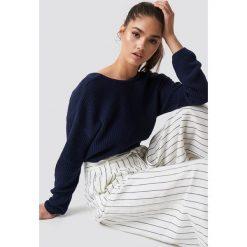NA-KD Sweter z dzianiny z dekoltem V - Blue,Navy. Niebieskie swetry damskie NA-KD, z dzianiny. Za 121.95 zł.