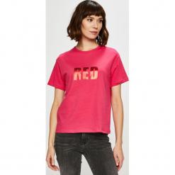 Trendyol - Top. Różowe topy damskie Trendyol, z nadrukiem, z bawełny, z okrągłym kołnierzem, z krótkim rękawem. W wyprzedaży za 29.90 zł.