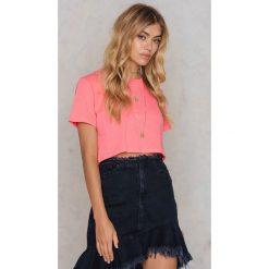 NA-KD Basic Krótki T-shirt Neon - Pink. Różowe t-shirty damskie NA-KD Basic, z bawełny. W wyprzedaży za 18.29 zł.