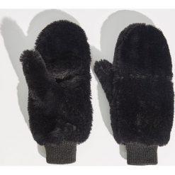 Puszyste rękawiczki - Czarny. Czarne rękawiczki damskie Sinsay. Za 29.99 zł.