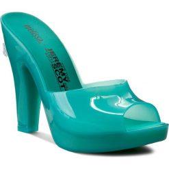 Klapki MELISSA - Inflatable Mule + Jere 31777 Green 01896. Zielone klapki damskie Melissa, z materiału. W wyprzedaży za 339.00 zł.