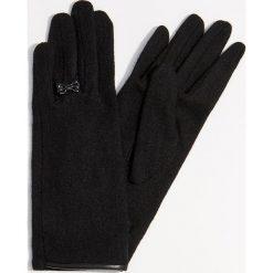 Eleganckie rękawiczki z wełną - Czarny. Czarne rękawiczki damskie Mohito, z wełny. Za 39.99 zł.