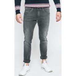 Wrangler - Jeansy. Szare jeansy męskie Wrangler. W wyprzedaży za 219.90 zł.