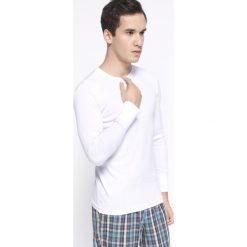 Henderson - Longsleeve. Białe bluzki z długim rękawem męskie Henderson, z bawełny, z okrągłym kołnierzem. Za 39.90 zł.