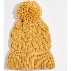 Czapka Gold Label - Żółty. Żółte czapki i kapelusze damskie Mohito. Za 39.99 zł.