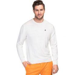 Sweter SWExGxx-0016SP PIETRO. Białe swetry przez głowę męskie Giacomo Conti, z bawełny. Za 199.00 zł.