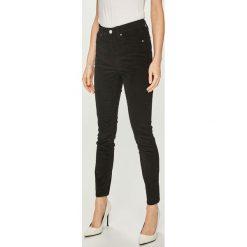 Calvin Klein Jeans - Spodnie. Szare jeansy damskie Calvin Klein Jeans. Za 449.90 zł.