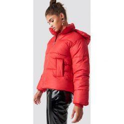NA-KD Trend Kurtka watowana - Red. Czerwone kurtki damskie NA-KD Trend, z materiału. Za 283.95 zł.