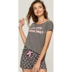 Dwuczęściowa piżama z nadrukiem - Szary. Szare piżamy damskie Sinsay, z nadrukiem. Za 39.99 zł.