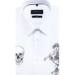 Koszula SIMONE KDBS000387. Białe koszule męskie Giacomo Conti, z aplikacjami, z bawełny, z klasycznym kołnierzykiem, z długim rękawem. Za 259.00 zł.