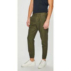 Tommy Jeans - Spodnie. Eleganckie spodnie męskie marki Giacomo Conti. Za 399.90 zł.