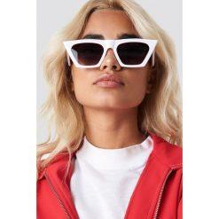 NA-KD Accessories Okulary przeciwsłoneczne kocie oczy - White. Okulary przeciwsłoneczne damskie marki QUECHUA. W wyprzedaży za 30.47 zł.