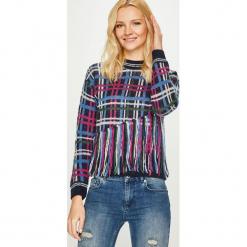 Pepe Jeans - Sweter Tinas. Szare swetry damskie Pepe Jeans, z dzianiny, z okrągłym kołnierzem. Za 339.90 zł.