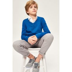 Sweter z dekoltem w serek - Niebieski. Swetry dla chłopców marki Reserved. W wyprzedaży za 49.99 zł.