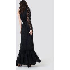 Trendyol Koronkowa sukienka na jedno ramię - Black. Sukienki damskie Trendyol, z koronki. Za 202.95 zł.