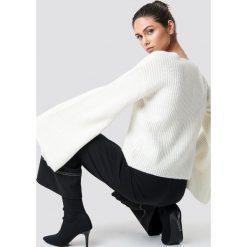 NA-KD Sweter z dużym rękawem - White,Offwhite. Białe swetry damskie NA-KD, z dzianiny. Za 141.95 zł.