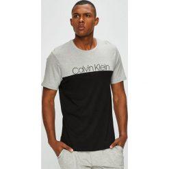Calvin Klein Underwear - T-shirt piżamowy. Szare piżamy męskie Calvin Klein Underwear, z nadrukiem, z bawełny. Za 139.90 zł.