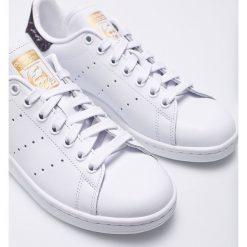 Adidas Originals - Buty Stan Smith. Szare obuwie sportowe damskie adidas Originals, z materiału. W wyprzedaży za 349.90 zł.