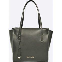 Calvin Klein - Torebka Frame Large Shopper. Szare torby na ramię damskie Calvin Klein. W wyprzedaży za 549.90 zł.