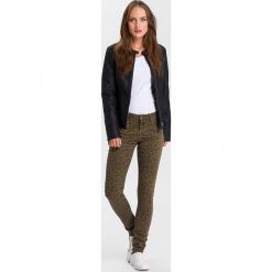 """Dżinsy """"Alan"""" - Skinny fit - w kolorze oliwkowym. Brązowe jeansy damskie Cross Jeans. W wyprzedaży za 127.95 zł."""