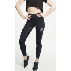 Gym Hero - Legginsy Black Flock. Czarne legginsy damskie Gym Hero, z dzianiny. W wyprzedaży za 139.90 zł.