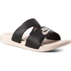 Klapki NIKE - Benassi Duo Ultra Slide 819717 004 Black/Guava Ice/Guava Ice. Czarne klapki damskie Nike, ze skóry ekologicznej. W wyprzedaży za 159.00 zł.