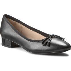 Półbuty CLARKS - Eliberry Isla 261188064 Black Leather. Czarne półbuty damskie Clarks, ze skóry, eleganckie. W wyprzedaży za 249.00 zł.