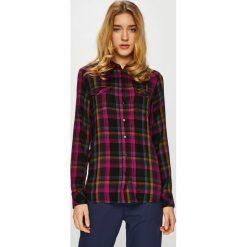 Wrangler - Koszula. Brązowe koszule damskie Wrangler, w kratkę, z tkaniny, casualowe, z klasycznym kołnierzykiem, z długim rękawem. Za 219.90 zł.