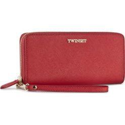 Duży Portfel Damski TWINSET - Portafoglio AS8PGS Rubino 00045. Czerwone portfele damskie Twinset, ze skóry. W wyprzedaży za 429.00 zł.