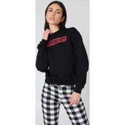 NA-KD Bluza Smoking Hot - Black. Czarne bluzy damskie NA-KD, z nadrukiem. Za 121.95 zł.