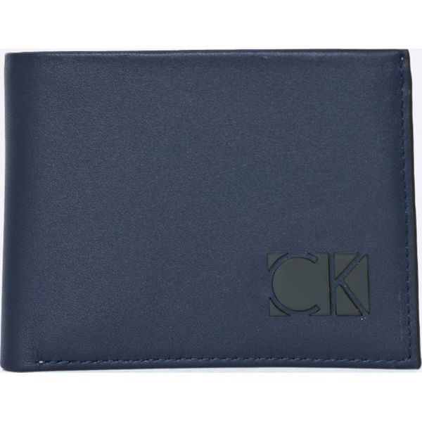 0bf770f96d052 Calvin Klein Jeans - Portfel skórzany + brelok - Portfele męskie marki  Calvin Klein Jeans, z jeansu. W wyprzedaży za 239.90 zł.