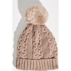 Czapka z puszystym pomponem - Beżowy. Brązowe czapki i kapelusze damskie Sinsay. Za 24.99 zł.