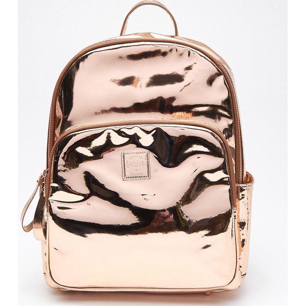 781487b7b06ad Winylowy plecak - Złoty - Plecaki damskie marki Cropp. W wyprzedaży ...