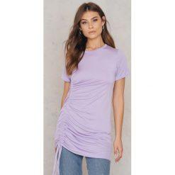 Boohoo Sukienka typu T-Shirt - Purple. Fioletowe t-shirty damskie Boohoo. W wyprzedaży za 24.29 zł.
