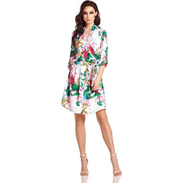 916b0dd968 Biała Rozkloszowana Sukienka Kopertowa w Kwiaty - Białe sukienki ...