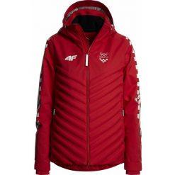 Kurtka narciarska damska Chorwacja Pyeongchang 2018 KUDN750 - czerwony wiśniowy. Czerwone kurtki snowboardowe damskie 4f, z napisami, z dzianiny. W wyprzedaży za 999.95 zł.
