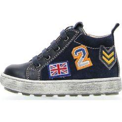 """Skórzane sneakersy """"5215"""" w kolorze granatowym. Niebieskie trampki i tenisówki chłopięce Naturino, z aplikacjami. W wyprzedaży za 195.95 zł."""