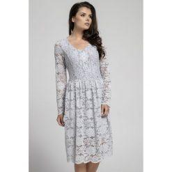 Długa sukienka z koronki na313. Szare sukienki damskie Pepe, na jesień, w koronkowe wzory, z koronki, eleganckie, z długim rękawem. Za 169.00 zł.