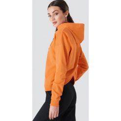NA-KD Bluza z kapturem z kopertowym tyłem - Orange. Pomarańczowe bluzy damskie NA-KD. W wyprzedaży za 85.37 zł.
