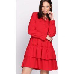 Czerwona Sukienka Suave. Czerwone sukienki damskie Born2be. Za 79.99 zł.