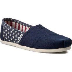 Półbuty TOMS - Classic 10007993 Americana Navy Canvas Star. Niebieskie półbuty damskie Toms, z materiału, retro. W wyprzedaży za 169.00 zł.