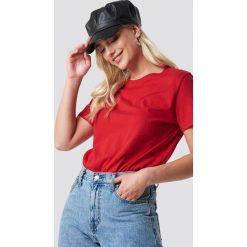 NA-KD Basic T-shirt oversize - Red. Czerwone t-shirty damskie NA-KD Basic, z bawełny. Za 52.95 zł.