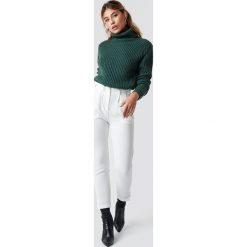 Rut&Circle Spodnie Damian - White. Białe spodnie materiałowe damskie Rut&Circle, z haftami. Za 161.95 zł.