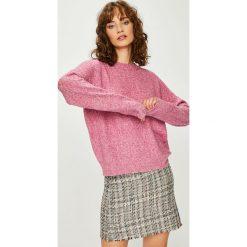 Vero Moda - Sweter. Szare swetry damskie Vero Moda, z dzianiny, z okrągłym kołnierzem. Za 99.90 zł.
