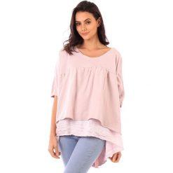 Koszulka w kolorze jasnoróżowym. Bluzki damskie fille de Coton, z bawełny, klasyczne, z falbankami, z krótkim rękawem. W wyprzedaży za 86.95 zł.