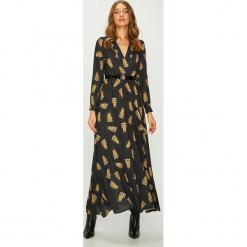 Answear - Sukienka. Brązowe sukienki damskie ANSWEAR, w paski, z materiału, casualowe, z długim rękawem. Za 219.90 zł.