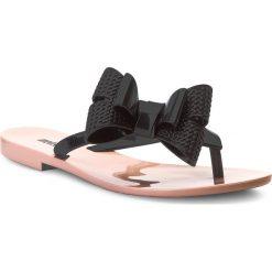 Japonki MELISSA - Harmonic Bow V Ad 32397 Pink/Black 51647. Czarne klapki damskie Melissa, z materiału. W wyprzedaży za 149.00 zł.
