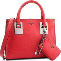Torebka GUESS - Gabi HWVM70 98050 RED. Czerwone torebki do ręki damskie Guess, ze skóry ekologicznej. Za 649.00 zł.