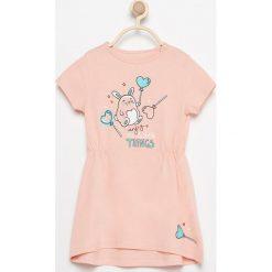 Sukienka z uroczym nadrukiem - Pomarańczo. Sukienki dla dziewczynek marki Reserved. W wyprzedaży za 14.99 zł.