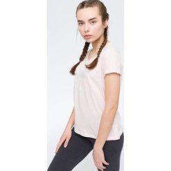 T-shirt damski TSD009 - jasny róż. Czerwone t-shirty damskie 4f, z nadrukiem, z bawełny. Za 44.99 zł.